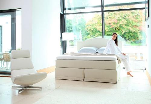 boxspringbetten von king koil schlafzimmer ausstellung einrichtungshaus wilhelm staudinger. Black Bedroom Furniture Sets. Home Design Ideas